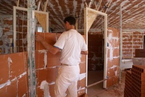 La pose de cloisons sèches et plâtrerie par Chauvet Jérôme pour votre maison à La Roche sur Yon